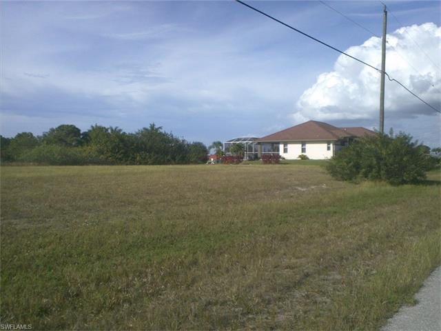 1352 NW 13th PL, Cape Coral, FL 33993